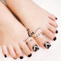 Feet Nail Design, Pedicure Nail Designs, Toe Nail Designs, Pedicure Nails, Acrylic Nail Designs, Pretty Toe Nails, Cute Toe Nails, Toe Nail Art, Cute Acrylic Nails