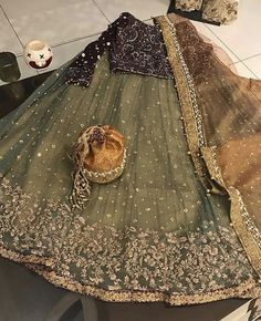 Whatsapp me for details 00923064010486 Pakistani Mehndi Dress, Pakistani Formal Dresses, Pakistani Wedding Outfits, Pakistani Wedding Dresses, Pakistani Dress Design, Bridal Outfits, Desi Wedding Dresses, Bridal Mehndi Dresses, Bridal Dress Design