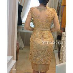 Vera Kebaya, Kebaya Dress, Model Kebaya, Traditional Outfits, Two Piece Skirt Set, Costumes, Formal Dresses, Blouse, Lace