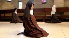 Monasterios carmelitas de todo el mundo están orando durante 48 horas continuas por la Vida y la Paz