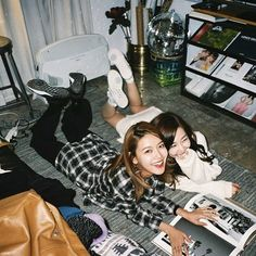 SNSD SooYoung and Tiffany posed for a set of cute and cool pictures South Korean Girls, Korean Girl Groups, Sooyoung Snsd, Kwon Yuri, Cute Poses, Latest Albums, Famous Girls, Korean Celebrities, Girl Day