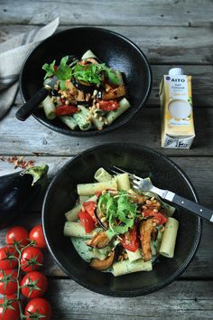 Auberginepasta med ost– och ruccolasås Rigatoni, Penne, Kimchi, Superfoods, Paella, Cobb Salad, Cooking Recipes, Ethnic Recipes, Eggplant