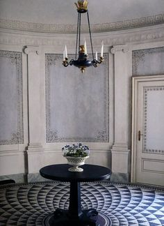 Serene ethereal Greek influenced round room with panels, Corinthian columns, and painted floor/photo by Oberto Gili/as seen on Hello Lovely Studio Decor, Interior And Exterior, Interior Inspiration, Traditional Interior, Flooring, Floor Design, Home Decor, House Interior, Design Inspiration