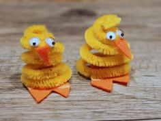 Easy and Simple: Pipe Cleaner Chick