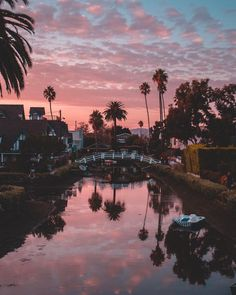 8,217 отметок «Нравится», 153 комментариев — Debo (@debodoes) в Instagram: «Sunset views from the Venice Beach Canals Edited with Apricot Preset from my Sunset Collection…»