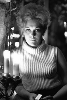 BELL, BOOK AND CANDLE - Kim Novak