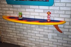 ohhh... i need this surfboard shelf!!!