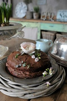 love this rustic cake, would be simple grooms cake