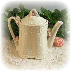 Victorian Lace Teapopt