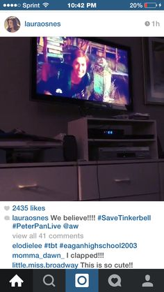 Ha Laura watching Peter Pan with the gang