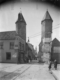 Amersfoort: Kamperbinnenpoort voor de restauratie (1929-1935) door ir. C.B. van der Tak, stadsarchitect van Amersfoort