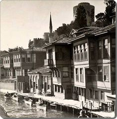 Waterfront homes and rowboats along the Bosporus below Rumeli Hisari, Istanbul Pictures Of Turkeys, Old Pictures, Old Photos, Vernacular Architecture, Art And Architecture, Istanbul Pictures, Turkey History, Prison, Empire Ottoman