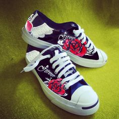 Cadeau tip: Custom Made All Stars Cool Converse, Painted Converse, Converse Shoes, Classic Sneakers, Unique Shoes, Wedding Shoes, Chuck Taylors, All Star, Cute Outfits