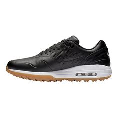 A visible Max Air unit cushions each step for comfort from the first tee to the final green. Air Max Sneakers, Sneakers Nike, Nike Golf Men, Air Max Women, Red Fashion, Ladies Golf, Golf Shoes, Sports Equipment, Sport Outfits