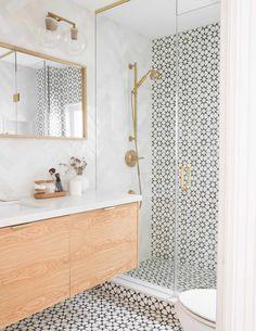 Bathroom Tile Designs, Bathroom Interior Design, Cement Tiles Bathroom, Toilet Tiles Design, Bathroom Feature Wall Tile, Best Bathroom Tiles, Bath Tiles, Shower Designs, Bathroom Images