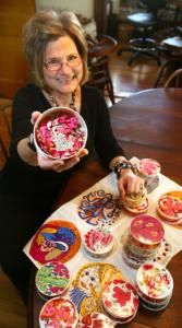 Artist and designer Sandy Miller – with her colorful ''Thingies.'' Boston Globe article @ http://www.boston.com/news/local/massachusetts/articles/2009/05/03/the_thingies_live/