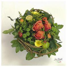 Blumenstrauß mit Rosen, Gerbera, Ranunkeln, Lisiantus und Limetten