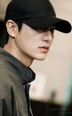Legend of the blue sea Lee min Ho 😍😘 Heo Joon Jae, Lee Joon, Boys Over Flowers, City Hunter, Asian Actors, Korean Actors, Jun Matsumoto, Legend Of Blue Sea, K Drama