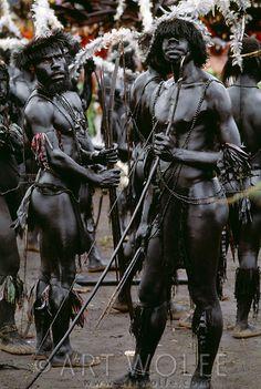 www.villabuddha.com  Bali  Bomai warrios, Papua New Guinea