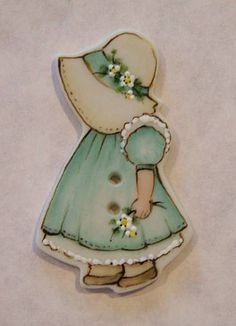 Sweet Sunbonnet porcelain button~wouldn't a row of these beauties be fun down the front of a little girl's jacket?