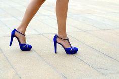 blue t-straps. Blue Suede Shoes, Blue Heels, Stiletto Heels, Shoes Heels, Pumps, The Blonde Salad, T Strap, Womens High Heels, Me Too Shoes