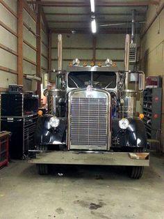 Millions of Semi Trucks Show Trucks, Big Rig Trucks, Old Trucks, Classic Tractor, Classic Trucks, Custom Big Rigs, Custom Trucks, Peterbilt Trucks, Peterbilt 379