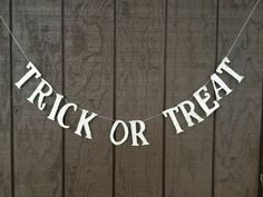 Trick OR Treat Halloween Banner Girlande von thegiftgardenshoppe