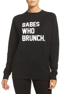 Sunday Brunch Outfit Winter Sweatshirts Ideas For 2019 Winter Outfits, Casual Outfits, Cute Outfits, Graphic Shirts, Graphic Sweatshirt, Sunday Brunch Outfit, Queen, Comfy Casual, Cute Shirts