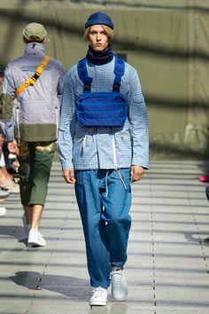 Junya Watanabe Spring 2019 Menswear Fashion Show Collection Vogue Paris, Bohemian Style Men, Japanese Fashion Designers, Stylish Mens Fashion, Winter Fashion Boots, Winter Boots, Junya Watanabe, Comme Des Garcons, Fashion Show Collection