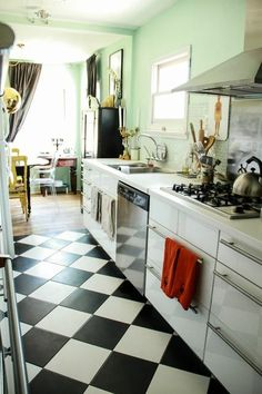 happy mint, crisp checkerboard, gold and spicy red accents--love it! Liz's 1926 Sears Craftsman Home House Call Checkered Floor Kitchen, Checkered Floors, Sears Craftsman, Craftsman Kitchen, Craftsman Homes, Mint Kitchen, Black And White Tiles, Grey Houses, Kitchen Flooring