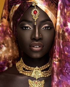 Beautiful Women of West Africa Black Girl Art, Black Women Art, Beautiful Black Women, Black Girl Magic, African Beauty, African Women, African Art, Black Art Pictures, Foto Art
