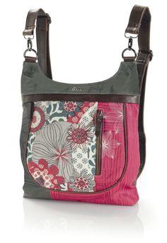 bolso mochila mujer, maya de gabol, bandolera de colgar ajustable, transformable en mochila, es una