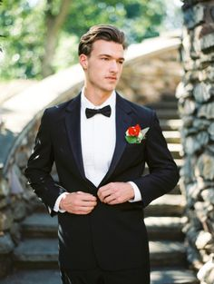 Groom inspiration: http://www.stylemepretty.com/little-black-book-blog/2015/03/16/sophisticated-southern-wedding-inspiration/ | Photography: Mark Potter -http://www.markpotterphotography.com/