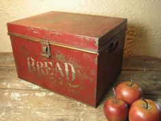 Granny's Old Farmhouse Kitchen Metal BREAD box – Stenciling w. Red Paint  $110