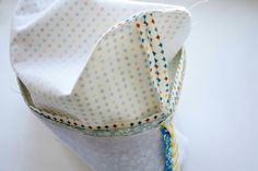 How to sew a cosmetics bag with a frame. Tutorial in pictures. Как сшить косметичку с каркасом.