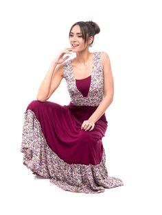 Vestido largo VESNA de marcada tendencia boho chic, para tus looks de inspiración romántica y bohemia..