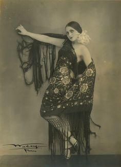 LOVE this.  Waléry - Danseuse des Folies Bergère, Paris, 1930.