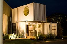 O Loft em container da Ferraro Habitat - Minha Casa Container Container Home Designs, Sea Container Homes, Shipping Container Homes, Container Store, Building A Container Home, Container Buildings, Container Architecture, Modular Housing, Modular Homes