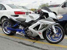 Silver Street Bike with blue and chrome wheels. Custom Street Bikes, Custom Sport Bikes, Custom Motorcycles, Sidecar, Sick, Chrome Wheels, Sportbikes, Hot Bikes, Go Kart