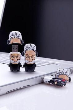 Einstein USB Flash Drive 8GB