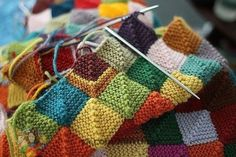 Free Knitting Pattern for Patchwork Baby Blanket Knitting Stitches, Knitting Yarn, Free Knitting, Knitting Squares, Start Knitting, Yarn Projects, Knitting Projects, Crochet Projects, Knitted Afghans