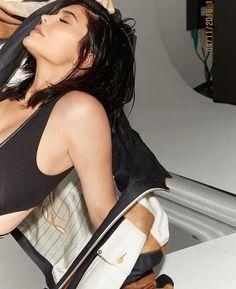 Kylie kurves leg sex 04