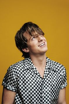 """The singer — who just released his new album """"Voicenotes"""" — talks guilty pleasures, pet peeves, and Bagel Bites."""
