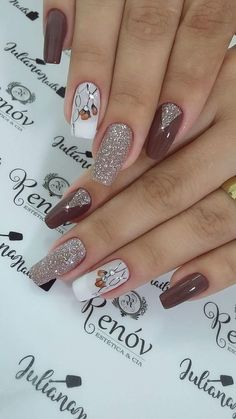 The advantage of the gel is that it allows you to enjoy your French manicure for a long time. There are four different ways to make a French manicure on gel nails. Stylish Nails, Trendy Nails, Cute Nails, Acrylic Nail Designs, Nail Art Designs, Acrylic Nails, Coffin Nails, Spring Nail Art, Spring Nails