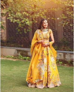 Country Wedding Dresses With Denim .Country Wedding Dresses With Denim Indian Fashion Dresses, Indian Bridal Outfits, Indian Gowns Dresses, Indian Party Wear, Indian Bridal Fashion, Dress Indian Style, Indian Designer Outfits, Indian Wear, Best Indian Wedding Dresses