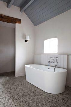 wit badkamer klein raam