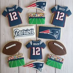 "83 Likes, 7 Comments - Jessie Edwards (@jessievirginia) on Instagram: ""Made some Patriots cookies for my boyfriend!  #decoratedcookies #superbowlcookies #patriots #yxe…"""