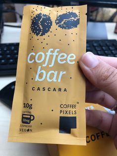 Ce credeți că este coffee pixels? Un boost de energie, cu o aromă bogată a espresso-ului perfect.   În plus, este:  ✅ Vegan  ✅ Ușor transportabil  ✅ Delicios   Descoperă Espresso, Phone Cases, Green, Espresso Coffee, Espresso Drinks, Phone Case