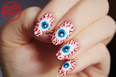 Spooksville: 18 Halloween nail art designs for trick-or-treat enthusiasts Halloween Nail Designs, Halloween Nail Art, Halloween 2013, Halloween Eyeballs, Nail Swag, Black Nails Tumblr, Nail Pen, Gel Nail Designs, Nails Design