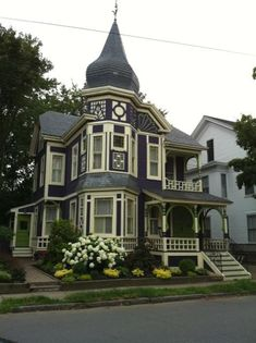 Victorian home w/ onion dome turret roof my favorite house in Newburyport, MA! Victorian Architecture, Beautiful Architecture, Beautiful Buildings, Beautiful Homes, Simply Beautiful, Abandoned Houses, Old Houses, Victorian Style Homes, Victorian Houses